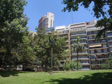 1024px-Barrancas_de_Belgrano,_Buenos_Aires