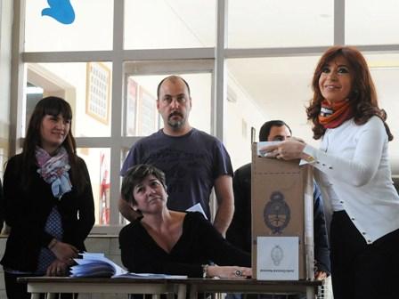Cristina Kirchner bei der Stimmabgabe in ihrer Heimatprovinz Santa Cruz Foto: Casa Rosada