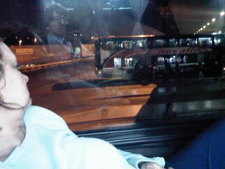 Argentinisch Reisen: im Bus, mangels Zugverbindungen