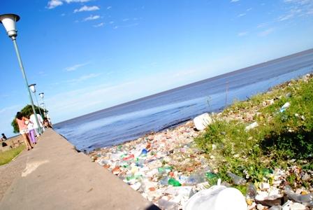 Müll am Río de la Plata