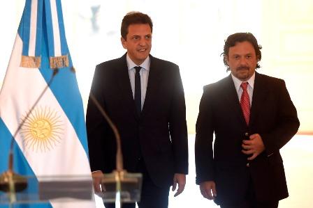 Sergio Massa (l.) mit seinem Vizekandidaten Gustavo Sáenz