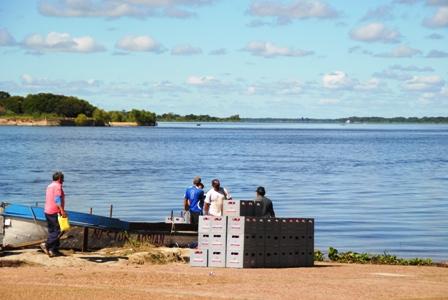 Biertransport über den Río Paraguay