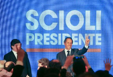 Daniel Scioli am Wahlabend im Luna Park